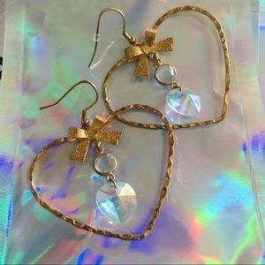 Betsey Johnson heart crystal hoop earring hologram